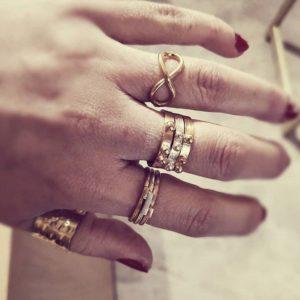 Δαχτυλίδι Πλακέ Με Μπίλιες Ασημένιο