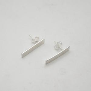 Minimal Σκουλαρίκια Ίσια Mατ Κοντά Ασημένια