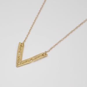 Κολιέ Με Αλυσίδα Και Τρίγωνο Χρυσό